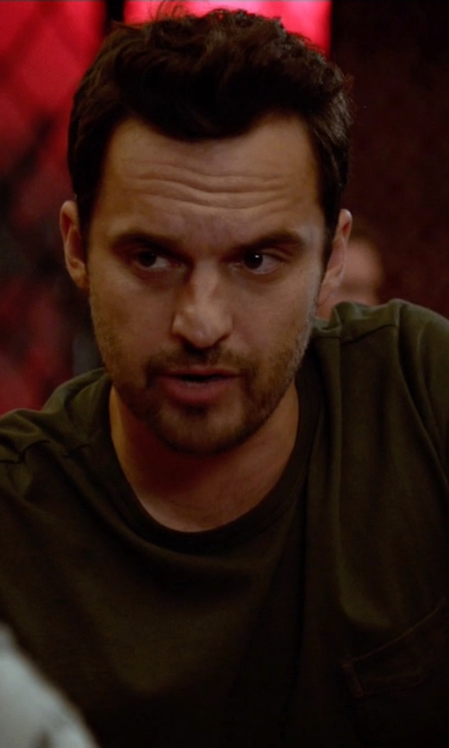 Jake Johnson with Eddie Bauer Legend Wash Pocket T-Shirt in New Girl