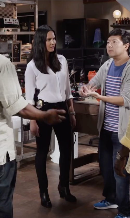Olivia Munn with Brooks Brothers Non-Iron Classic Fit Dress Shirt in Ride Along 2