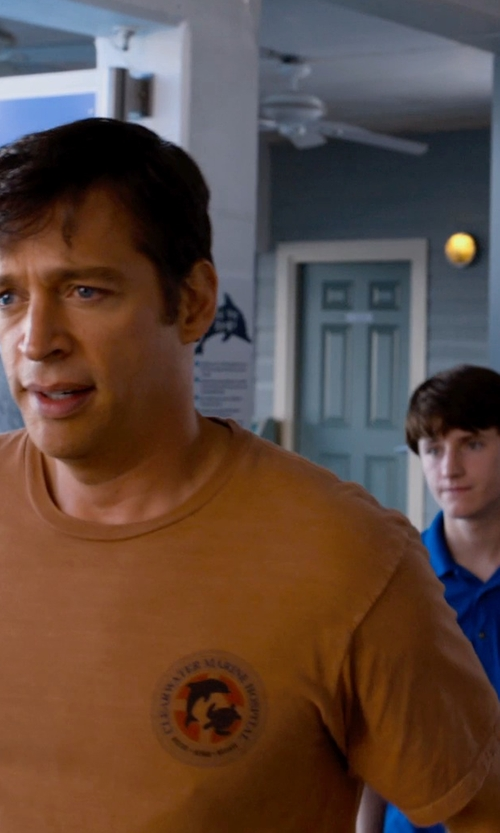 Harry Connick Jr. with Earth Creations Custom Made Clearwater Marine Hospital Shirt (Harry Connick Jr.) in Dolphin Tale 2