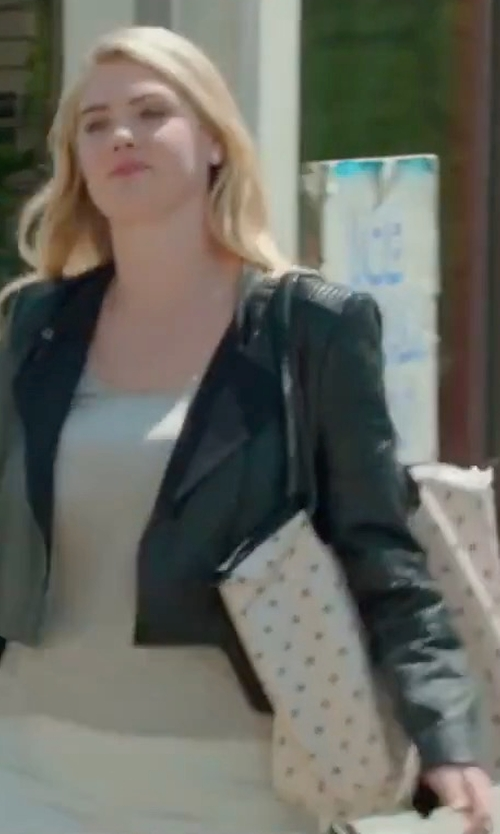 Kate Upton with MCM Anya Medium Top-Zip Shopper Bag in The Layover