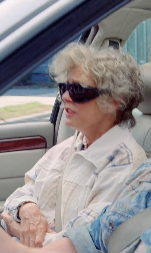 Susan Sarandon with Solar Shields Smoke in Tammy