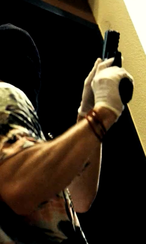 Aaron Taylor-Johnson with OTC Adult White Wrist Length Gloves in Savages