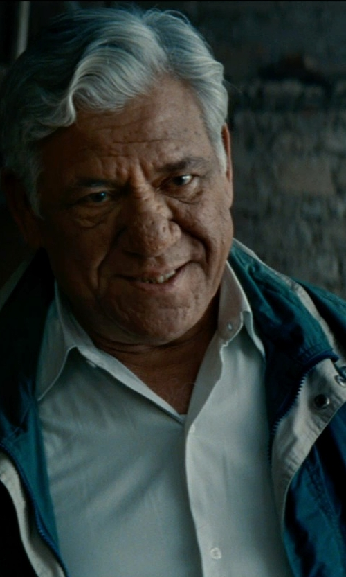 Om Puri with Won Hundred NOOS Moriarty Dress Shirt in The Hundred-Foot Journey