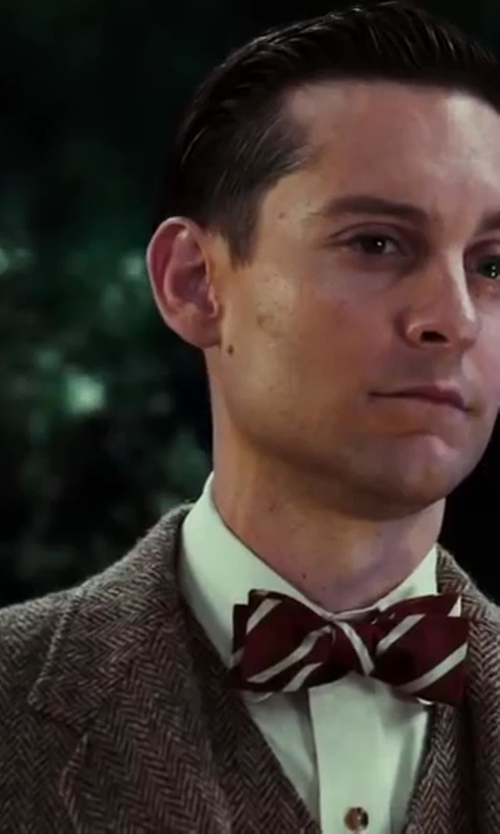 Tobey Maguire with Gant by Michael Bastian MB Herringbone Blazer in The Great Gatsby