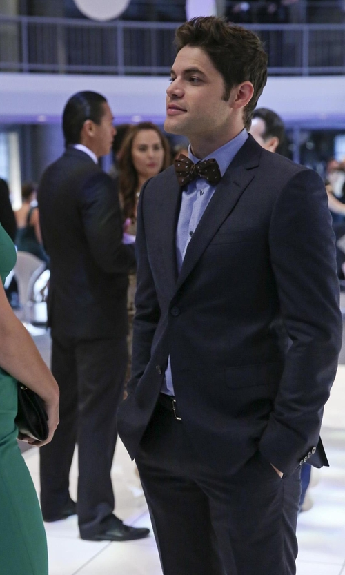 Jeremy Jordan with Bonobos Satin Tuxedo Bowtie in Supergirl