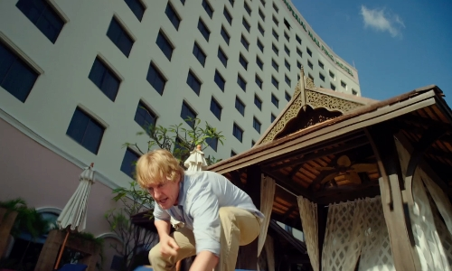 Owen Wilson with The Imperial Mae Ping Hotel Chiang Mai, Thailand in No Escape