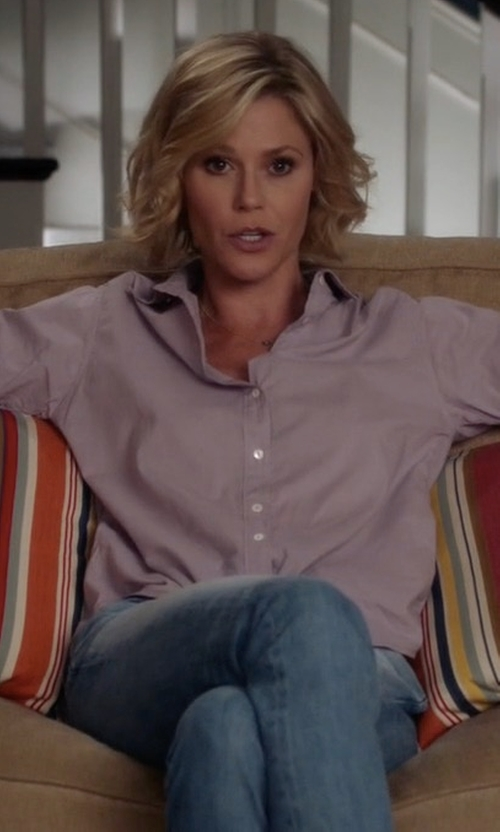 Julie Bowen with Jen7 Slim-Straight Jeans in Modern Family