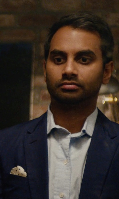 Aziz Ansari with Reiss Helmar Silk Dotted Pocket Square in Master of None