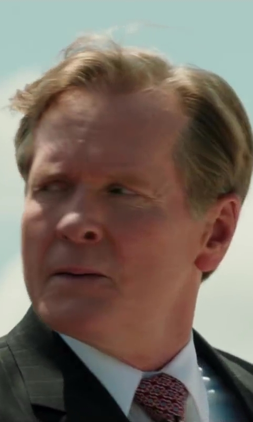 William Sadler with RALPH LAUREN BLACK LABEL Faint Track-Stripe Two-Button Suit in Iron Man 3