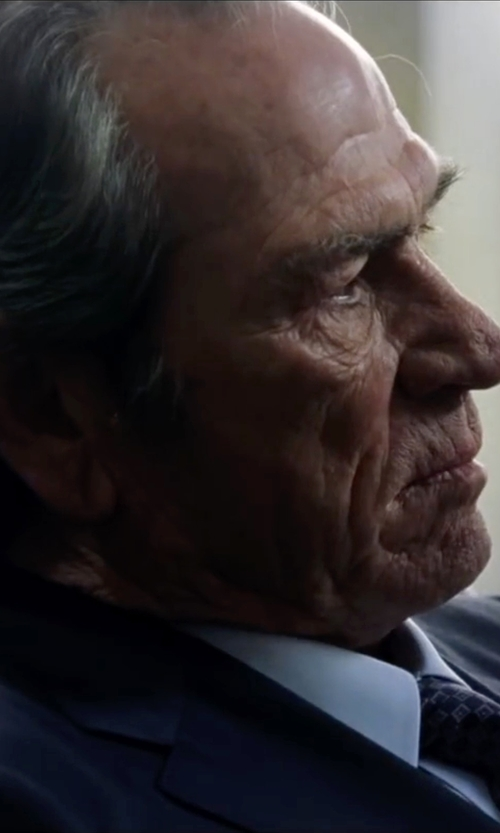Tommy Lee Jones with John Varvatos Star USA Luxe Luxe Solid Suit in Jason Bourne