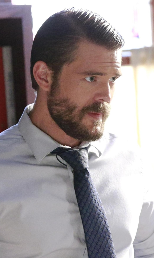 Charlie Weber with Michael Kors 'Heather' Check Silk Blend Tie in How To Get Away With Murder
