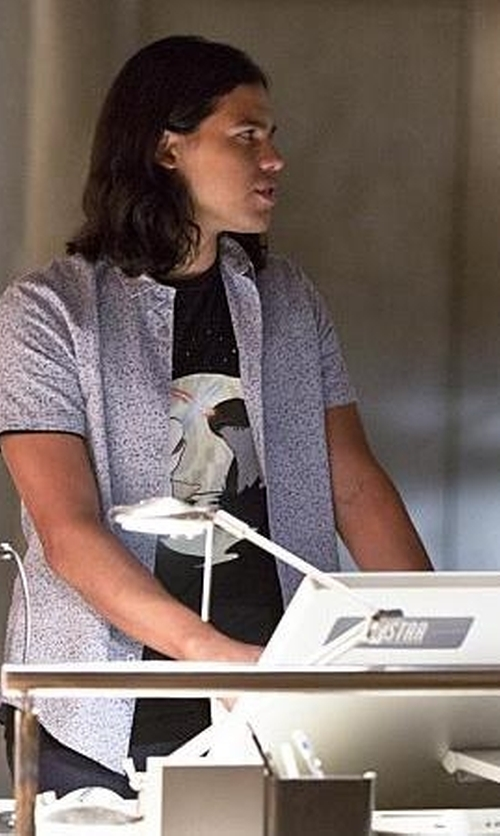 Carlos Valdes with RebelArts Nar Wars Tee in The Flash