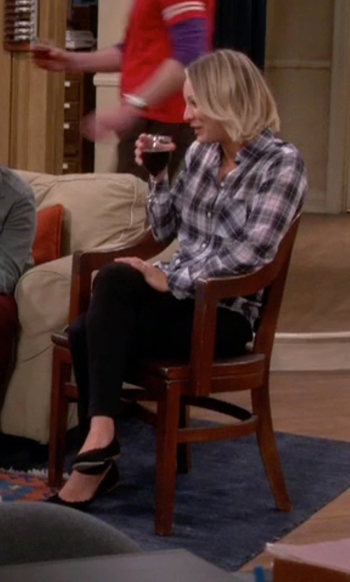 Kaley Cuoco-Sweeting with Sam Edelman Augusta Flat Shoes in The Big Bang Theory