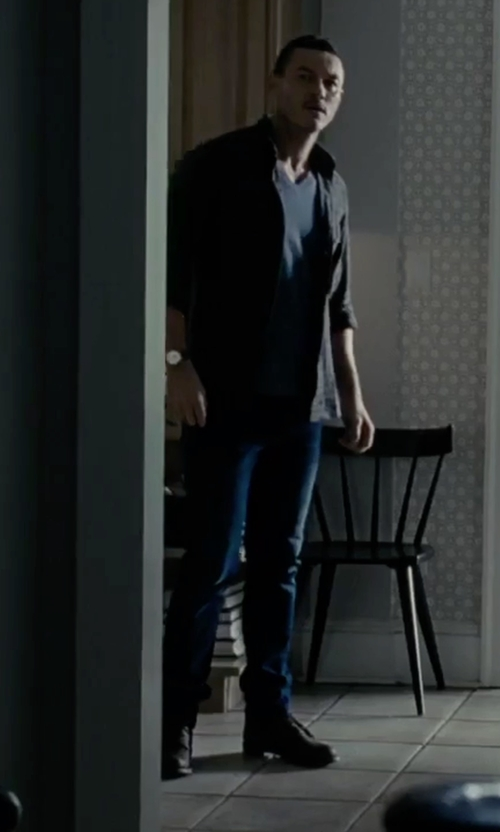 Luke Evans with Emporio Armani Leather Strap Watch in The Girl on the Train
