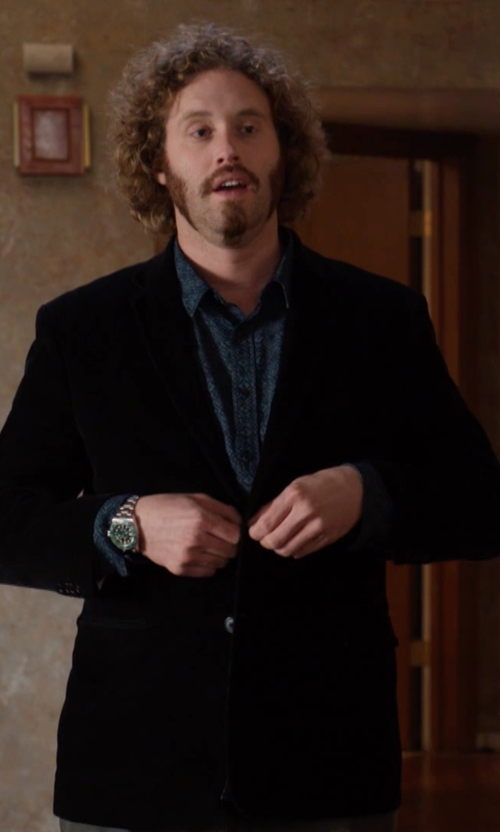 T.J. Miller with U.S. Polo Assn. Men's Solid Velvet Blazer in Silicon Valley