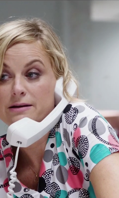 Amy Poehler with MedPro Trendy Fashion Print Medical V-Neck Scrub Top in Sisters