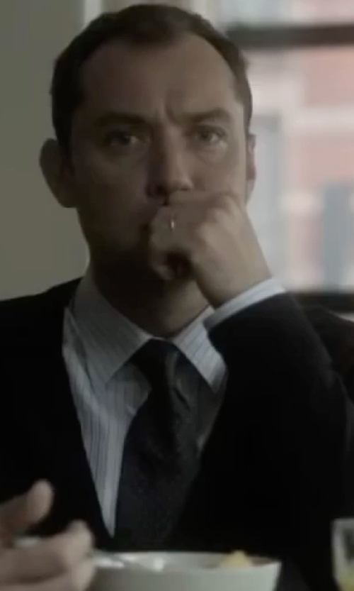 Jude Law with Lanvin Pebble Jacquard Silk Tie in Side Effects