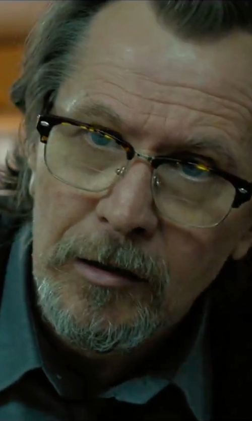 Gary Oldman with Moscot Yukel Classic Havana Glasses in Criminal