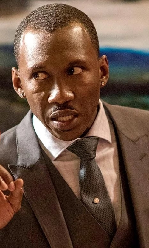Mahershala Ali with Armani Collezioni Modern-Fit Check Dress Shirt in Marvel's Luke Cage