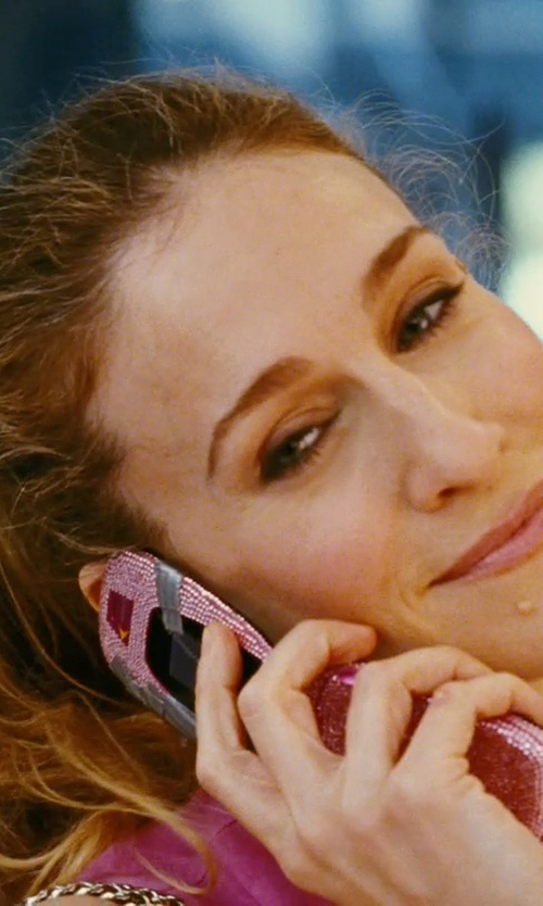 Sarah Jessica Parker with Nokia 7020 Flip Phone in Sex and the City