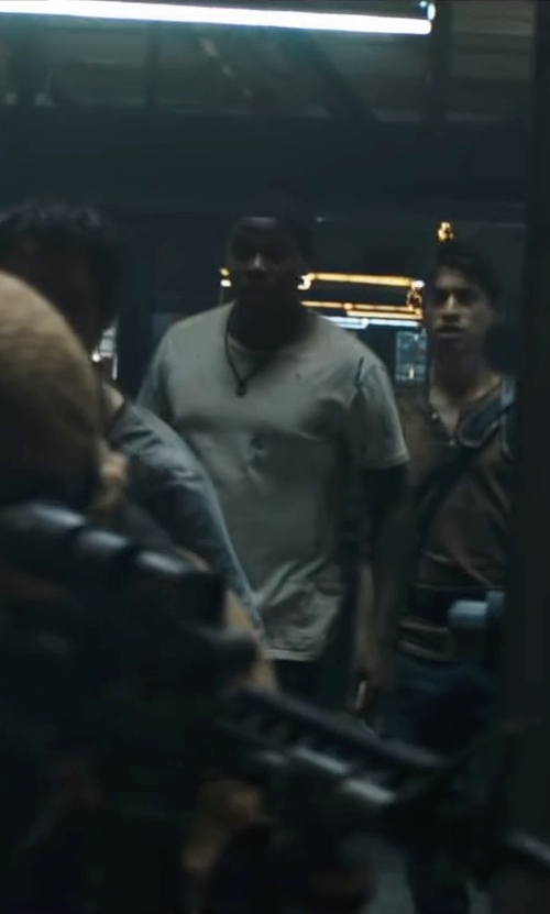 Dexter Darden with Club Room Solid Crew-Neck Performance T-Shirt in Maze Runner: The Scorch Trials