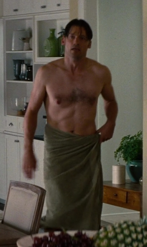 Nikolaj Coster-Waldau with 1888 Mills 100-Percent Organic Cotton Oversized Bath Towel in The Other Woman