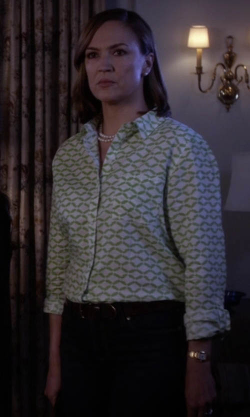 Lesley Fera with Invicta Diamond Accented Watch in Pretty Little Liars