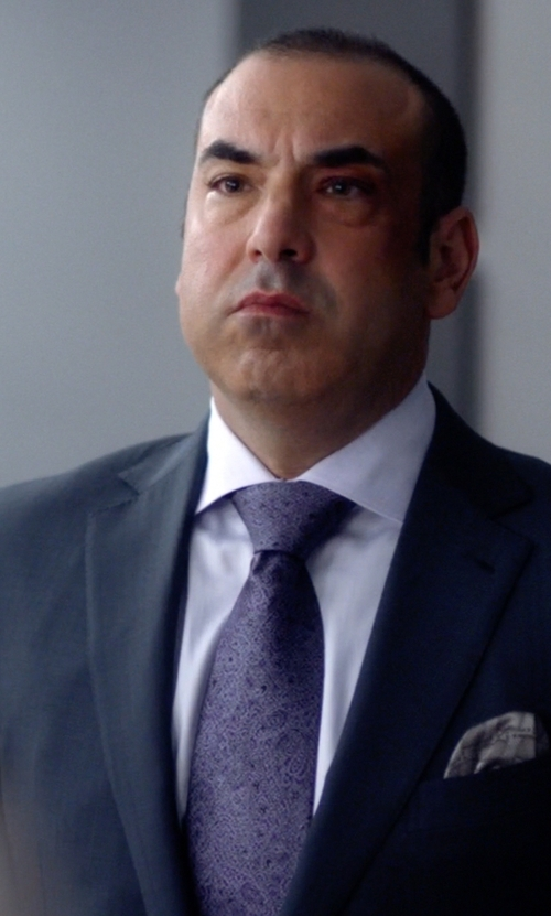 Rick Hoffman with John Varvatos Silk Woven Paisley Embroidered Tie in Suits