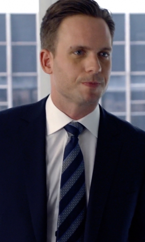 Patrick J. Adams with Burberry	 Striped Woven Tie in Suits