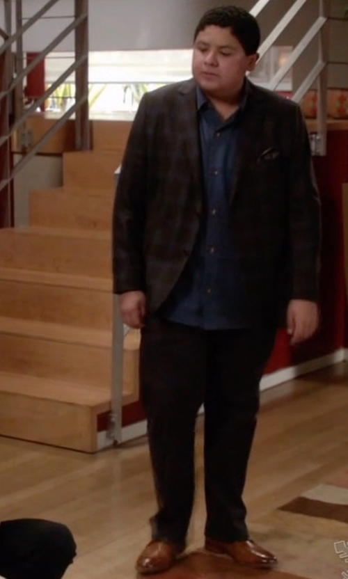 Rico Rodriguez with Cole Haan Leather Oxford Shoes in Modern Family