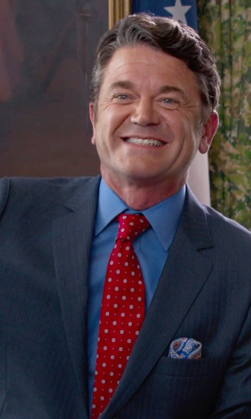 John Michael Higgins with Fefè Airplanes Print Pocket Square in Pitch Perfect 2