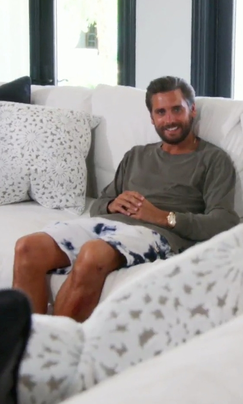 Scott Disick with Del Toro x Cotton Citizen Black Tie Dye Cargo Shorts in Keeping Up With The Kardashians