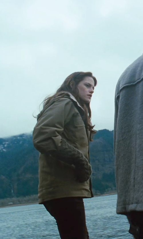 Kristen Stewart with Patagonia Rubicon Puff Insulated Ski Jacket in Twilight