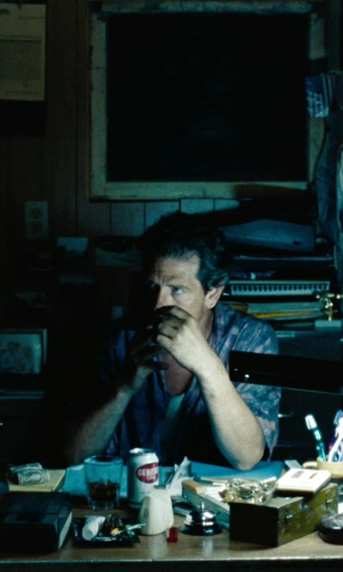 Ben Mendelsohn with Van Heusen Men's Short Sleeve Button Down Shirt in The Place Beyond The Pines