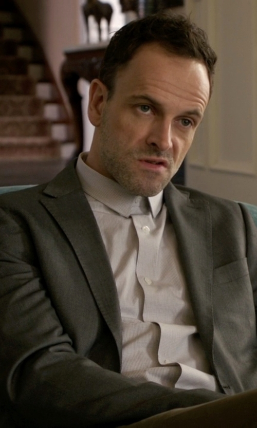 Jonny Lee Miller with Lauren Ralph Lauren Sharkskin Two Button Blazer in Elementary