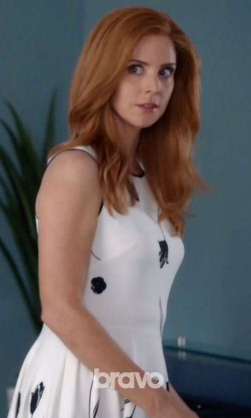 Sarah Rafferty with Oscar de la Renta Floral Asymmetrical Dress in Suits