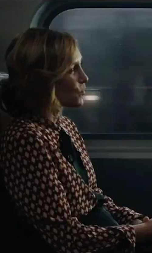 Vera Farmiga with Tibi Triacetate Draped Pencil Skirt in The Commuter