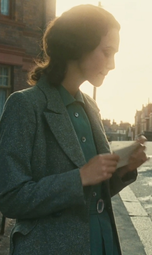 Keira Knightley with Ballantyne Single Breasted Lapel Collar Coat in Atonement