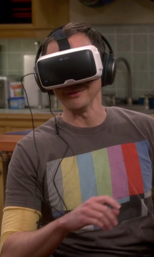 Jim Parsons with Zeiss VR One Virtual Reality Headset in The Big Bang Theory