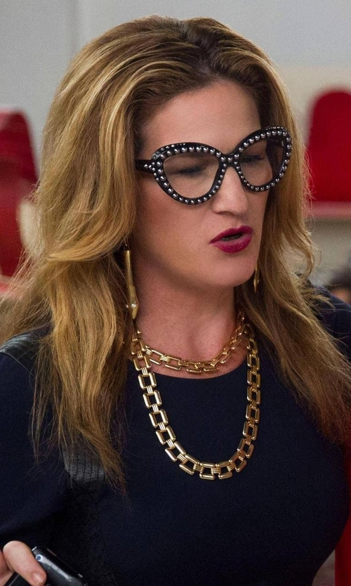 Ana Gasteyer with Vince Camuto Oval Link Necklace in Lady Dynamite