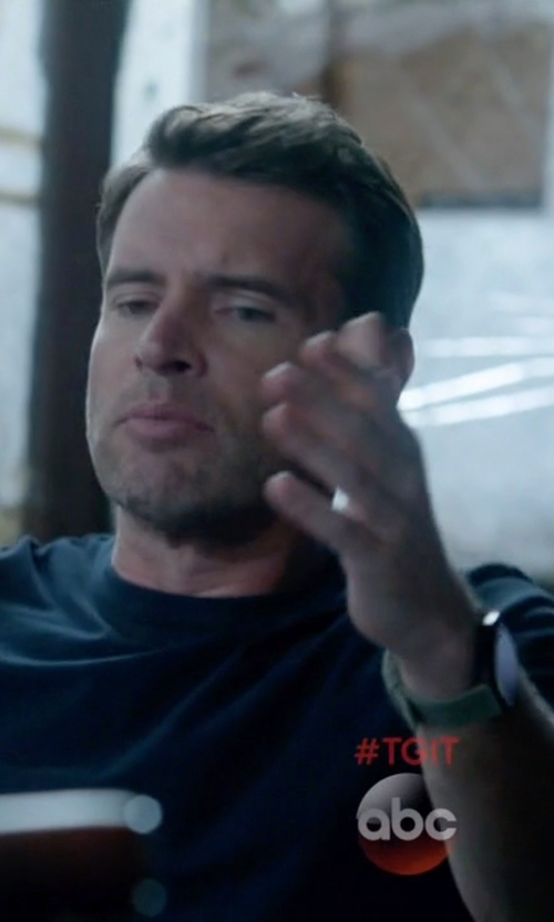 Scott Foley with Victorinox Swiss Army 'Night Vision' Rubber Strap Watch in Scandal