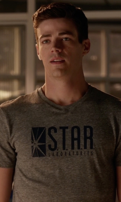 Grant Gustin with Gildan Flash Star Laboratories T-Shirt in The Flash