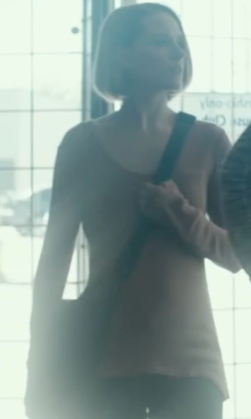 Evan Rachel Wood with Kenneth Cole Reaction Colombian Leather Gusset Messenger Bag in Into the Forest