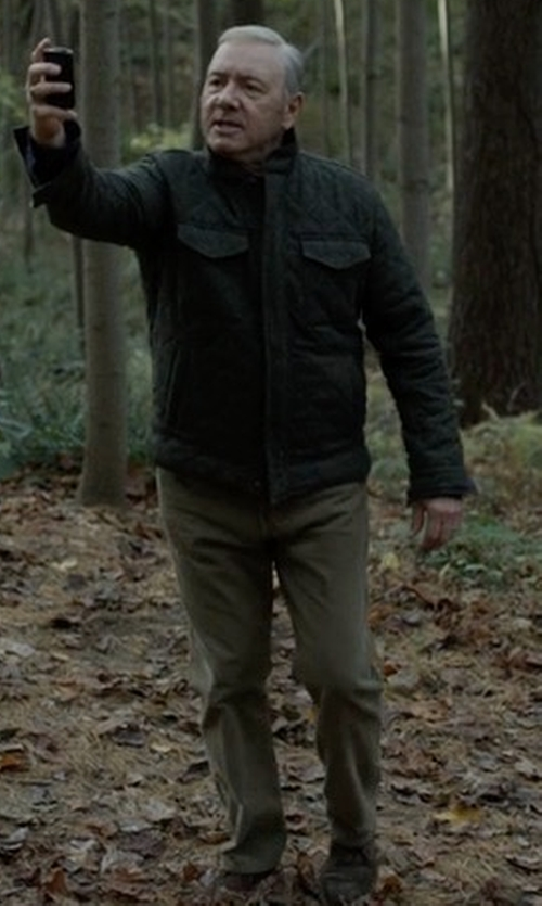 Kevin Spacey with Faherty Comfort Canvas Trouser in House of Cards