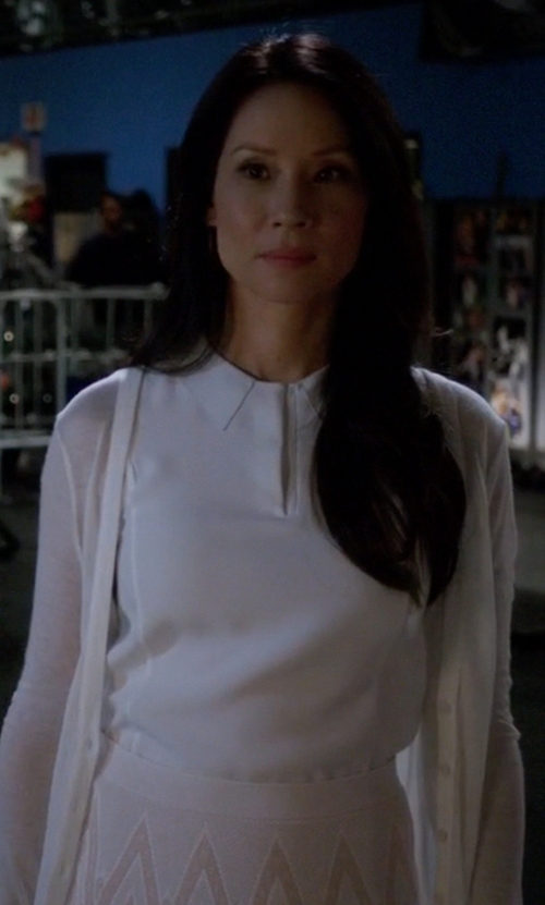 Lucy Liu with Rag & Bone Easy Becker Top in Elementary