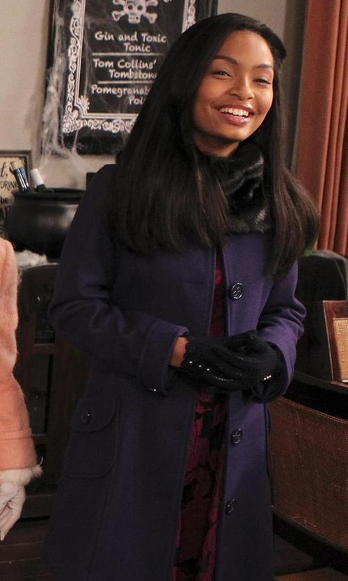 Yara Shahidi with Ellen Tracy Single-Breasted Wool-Blend Coat in Black-ish