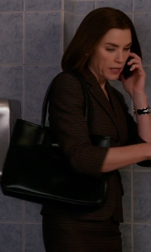 Julianna Margulies with GiGi New York Embossed Pebble Grain Leather Tote in The Good Wife