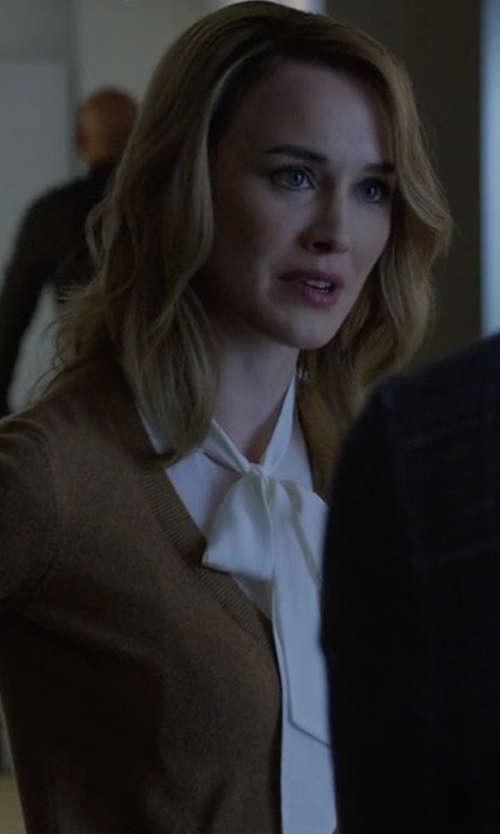 Dominique McElligott with Frame Denim Tie Neck Blouse in House of Cards