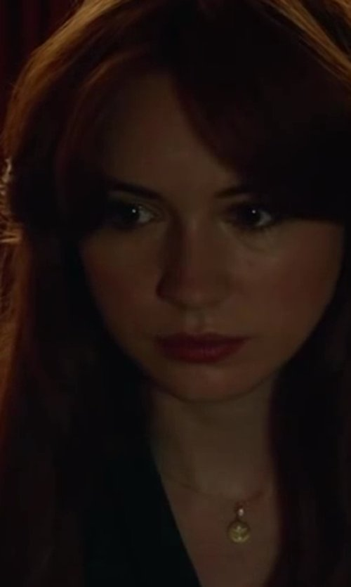 Karen Gillan with ICE 14K PINK GOLD 10-11MM DROP WHITE SOUTH SEA PEARL PENDANT W/ CHAIN in Oculus