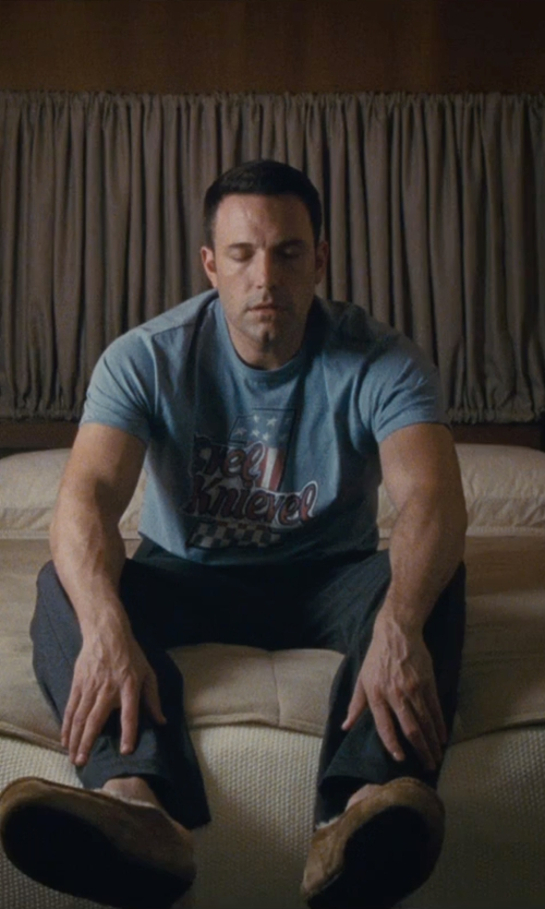 Ben Affleck with Tailgate Clothing Company Men's Evel Knievel T-Shirt in The Accountant
